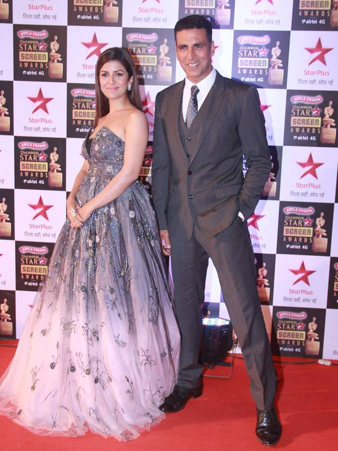 Check out who wore what at the 22nd Star Screen Awards last night!